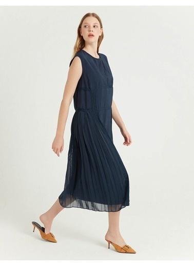 BGN Lacivert - Dantel Detaylı Midi Elbise Lacivert
